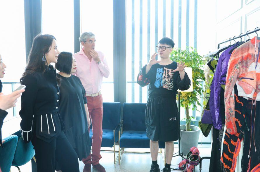 Wendy Yu In Shanghai Fashion Week